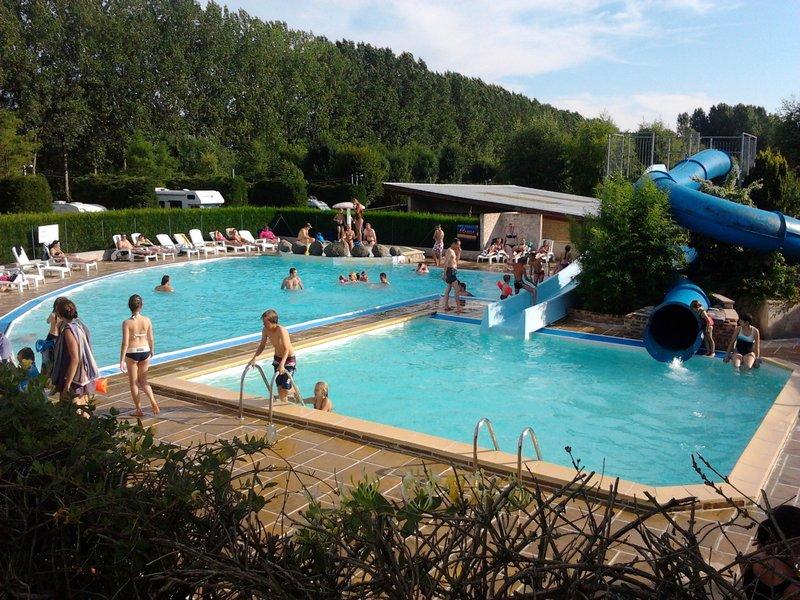 la piscine camping les Breuils à Verdun en Lorraine